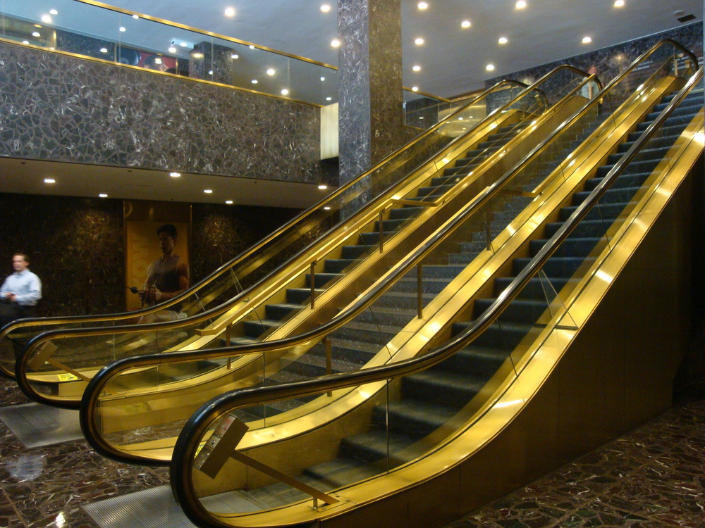 ESCALATOR 5-06.JPG