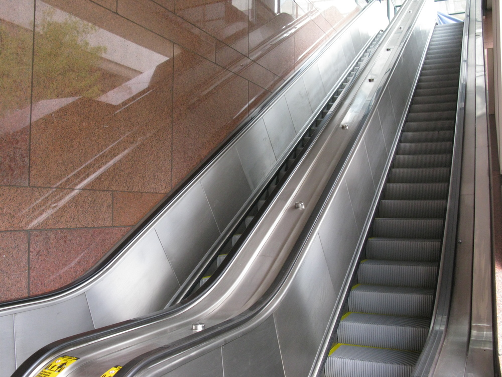 ESCALATOR 4-03.JPG