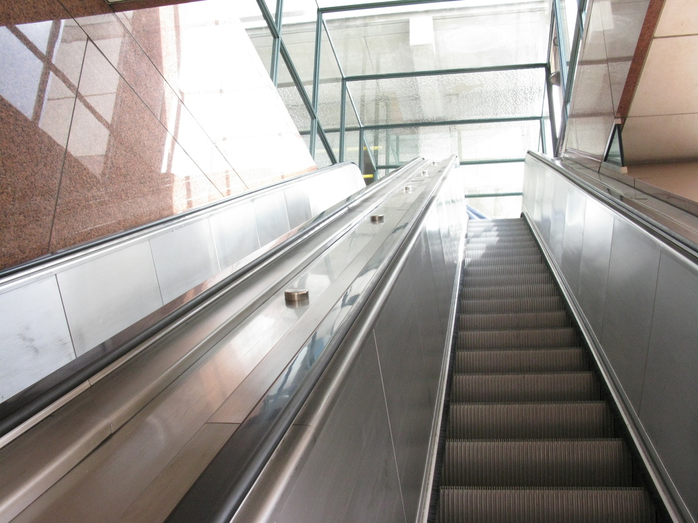 ESCALATOR 4-05.JPG