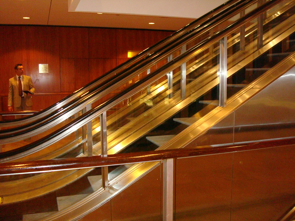 ESCALATOR 01-26.JPG