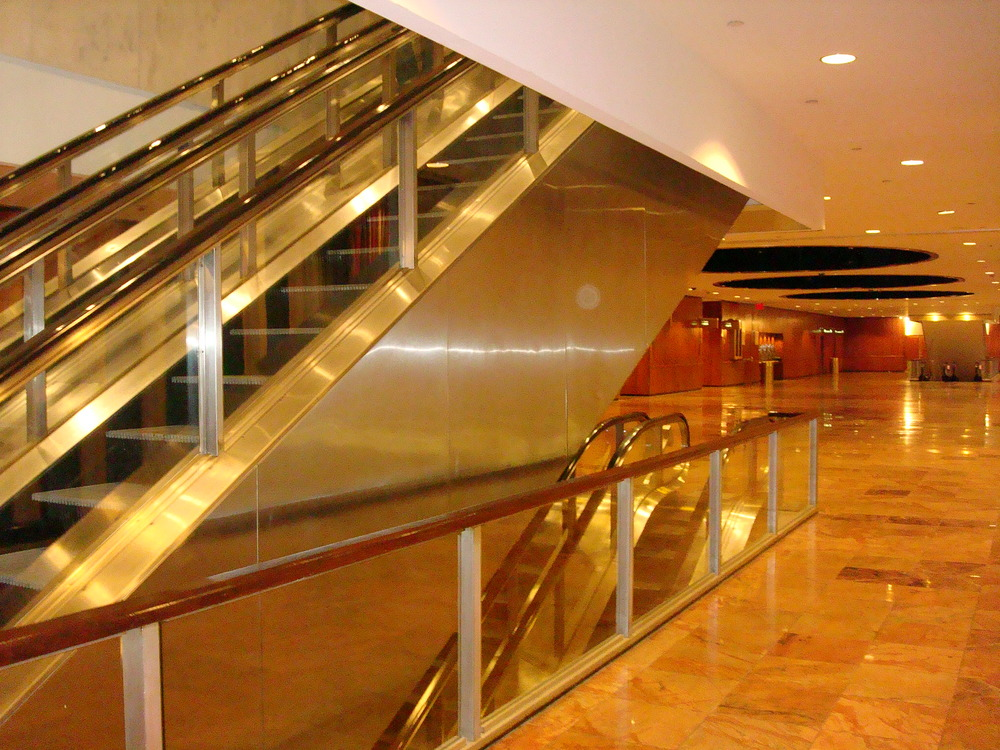 ESCALATOR 01-28.JPG