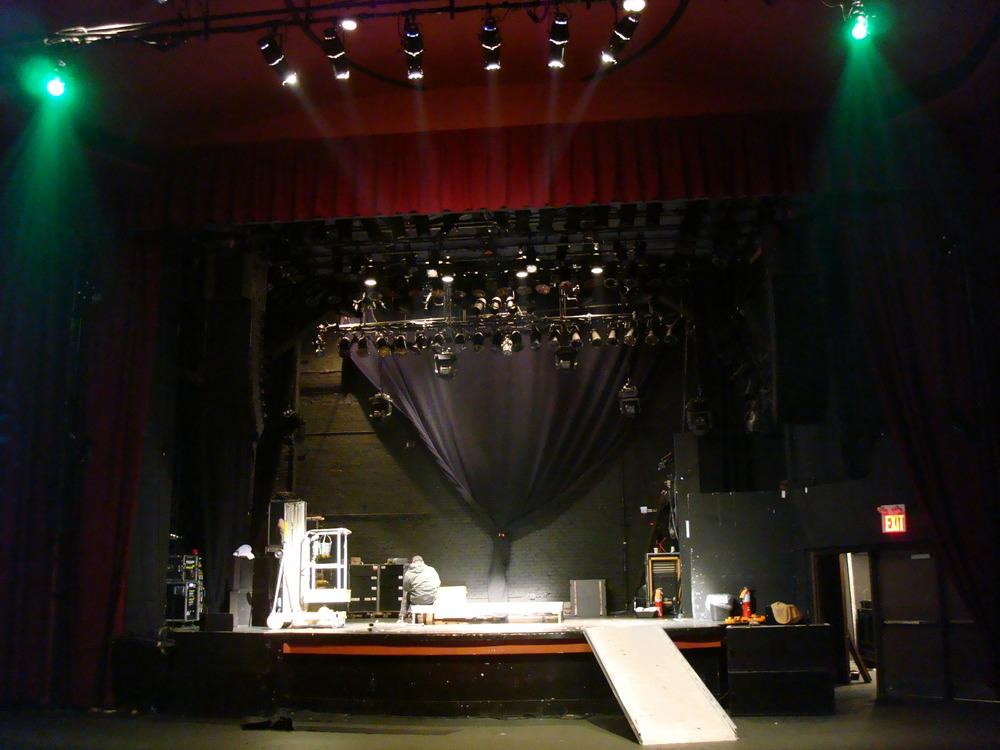 LIVE VENUE 16-03.JPG
