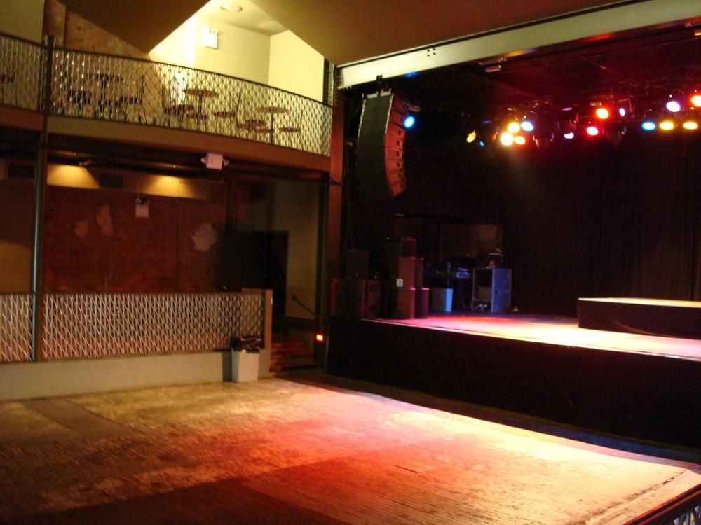 LIVE VENUE 15-03.JPG