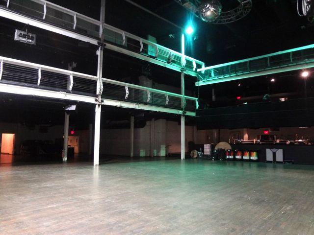 LIVE VENUE 14-02.jpg
