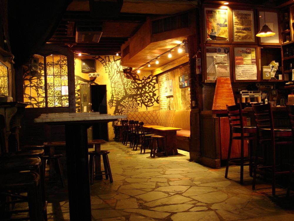LIVE VENUE 5-03.JPG