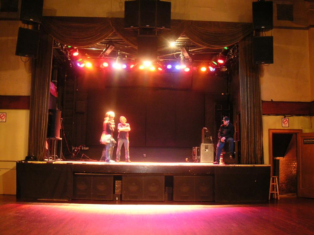 LIVE VENUE 3-03.JPG