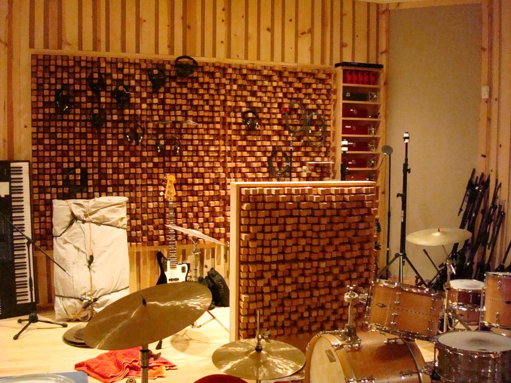 MUSIC STUDIO 13-04.JPG