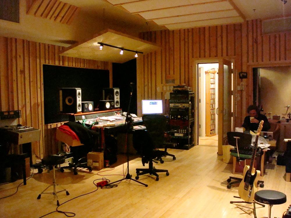 MUSIC STUDIO 13-05.JPG