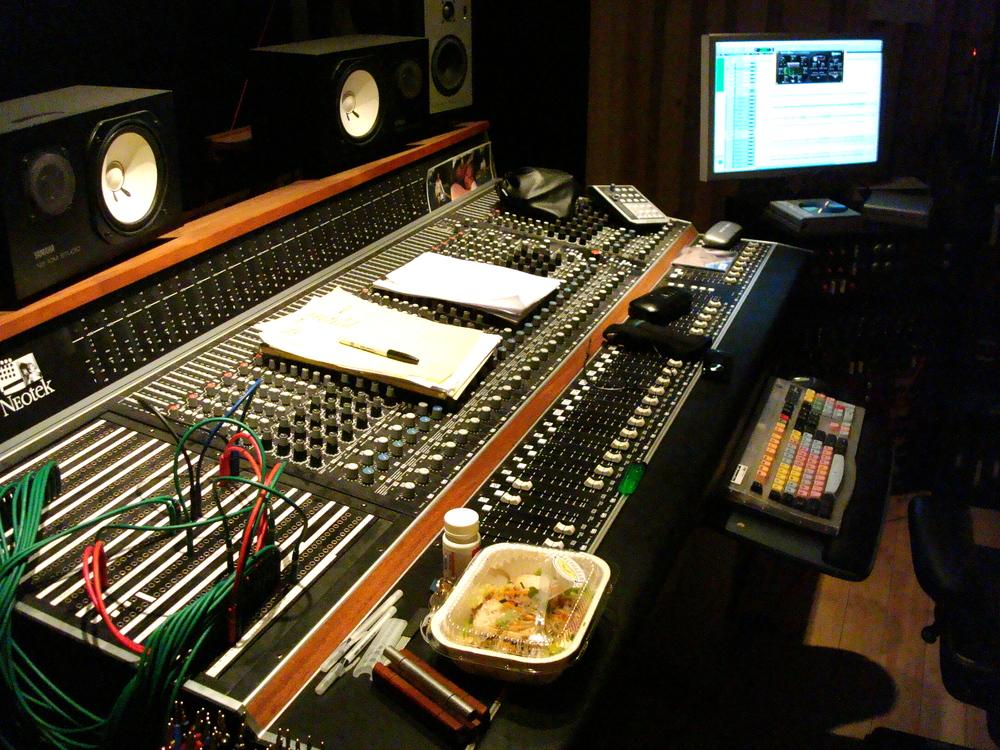 MUSIC STUDIO 13-06.JPG