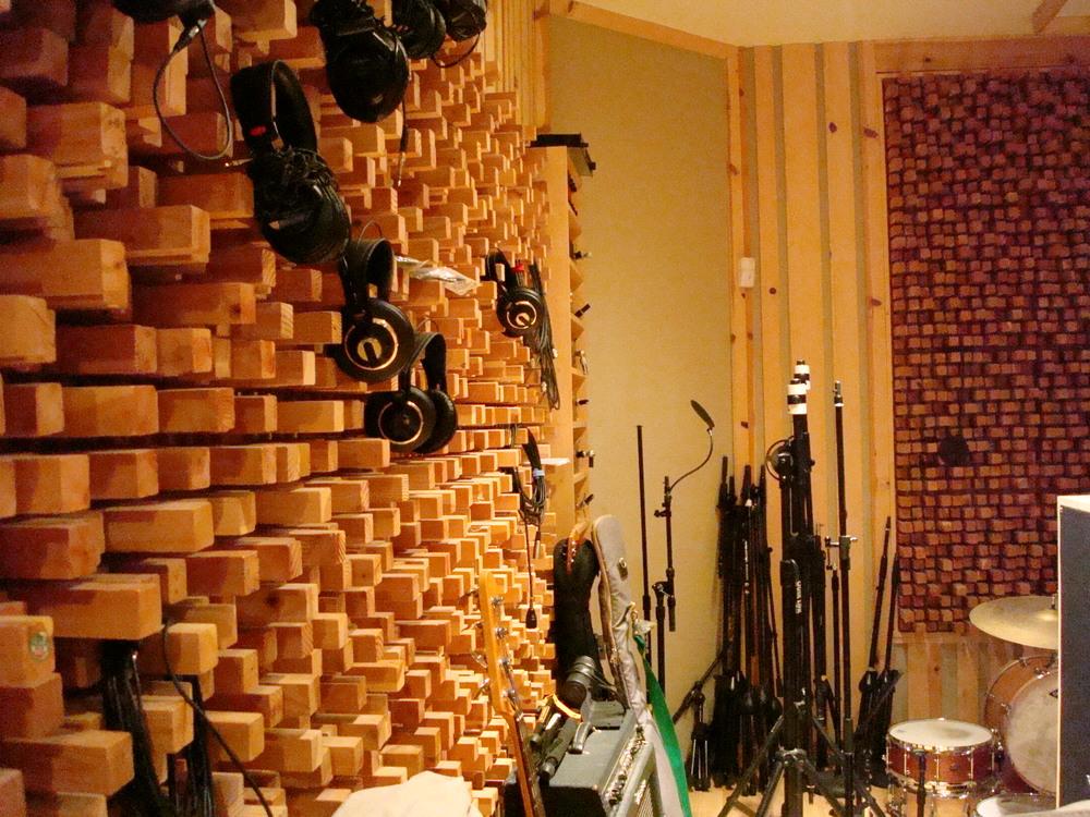 MUSIC STUDIO 13-07.JPG