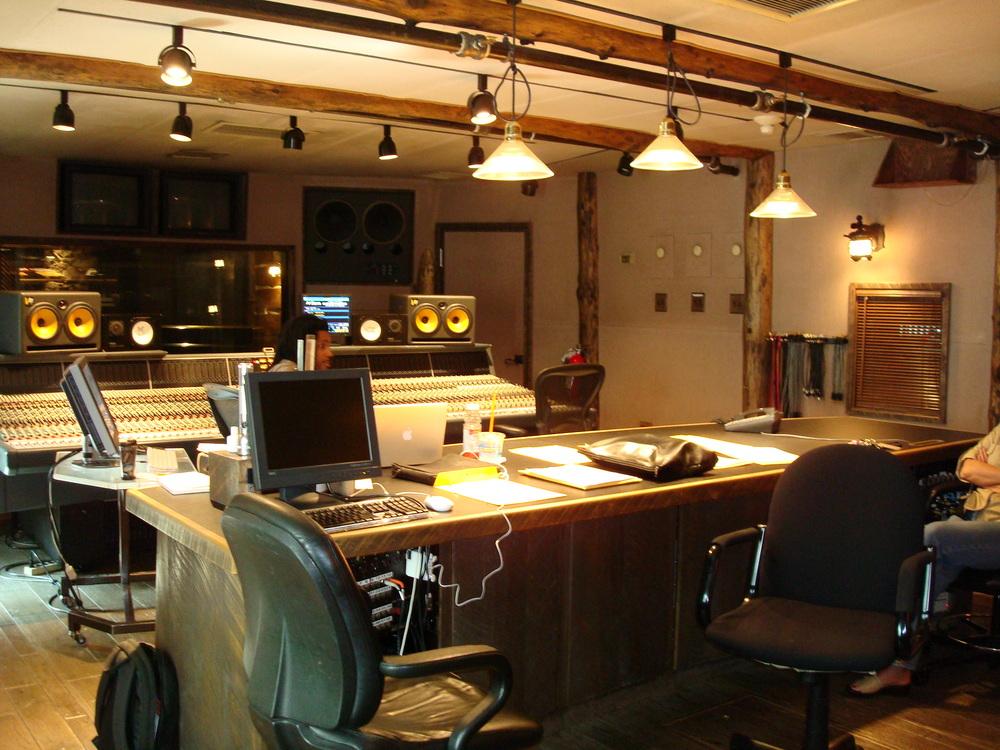 MUSIC STUDIO 12-04.JPG