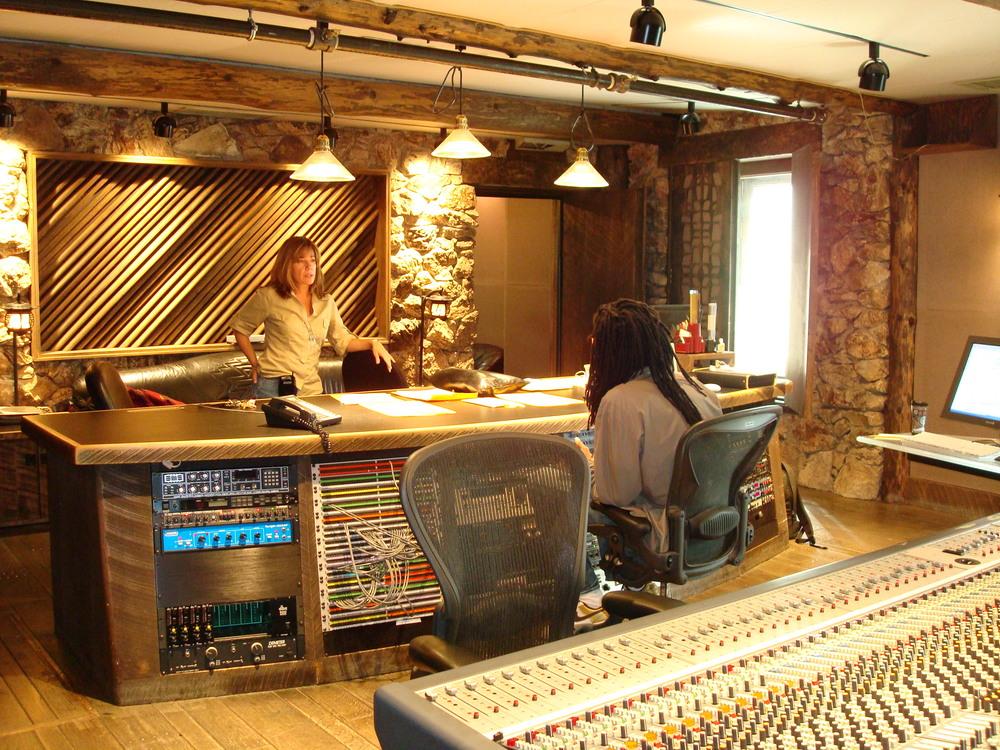 MUSIC STUDIO 12-06.JPG