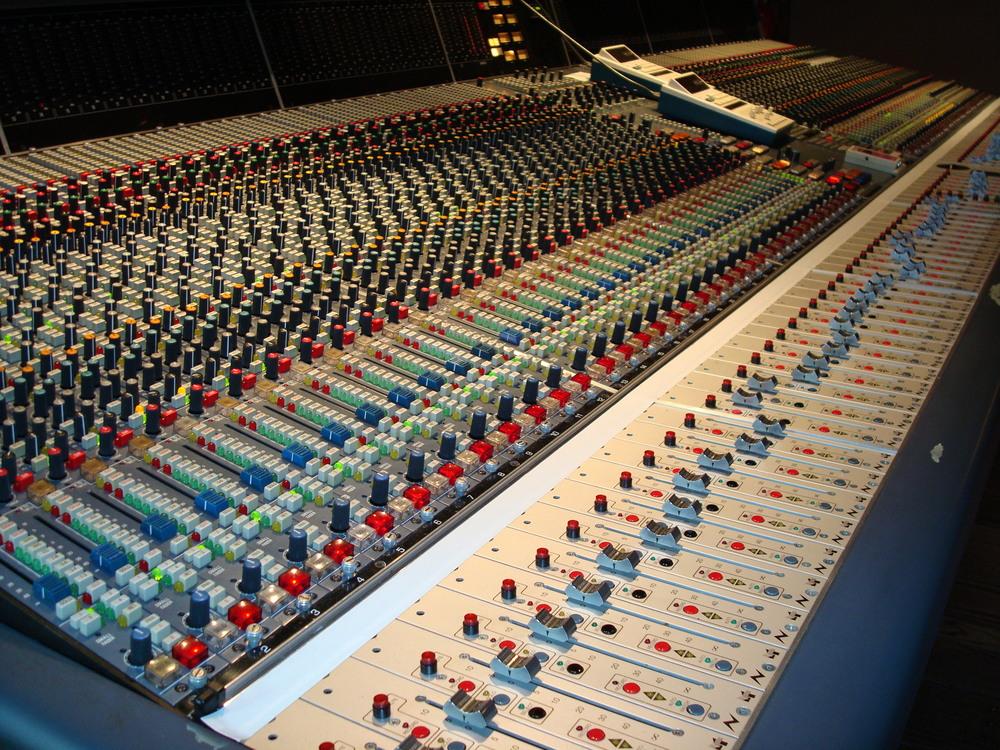 MUSIC STUDIO 12-08.JPG