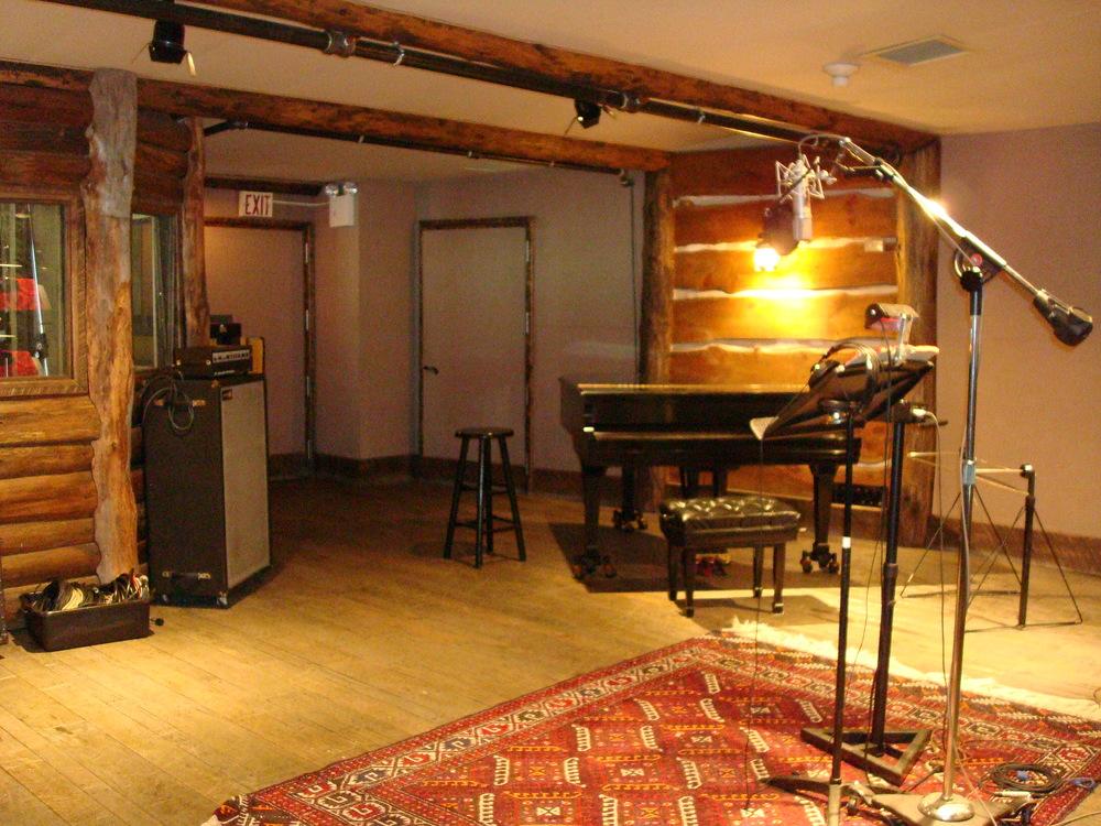MUSIC STUDIO 12-09.JPG