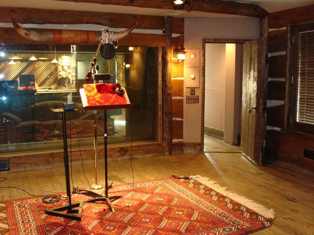 MUSIC STUDIO 12-11.JPG