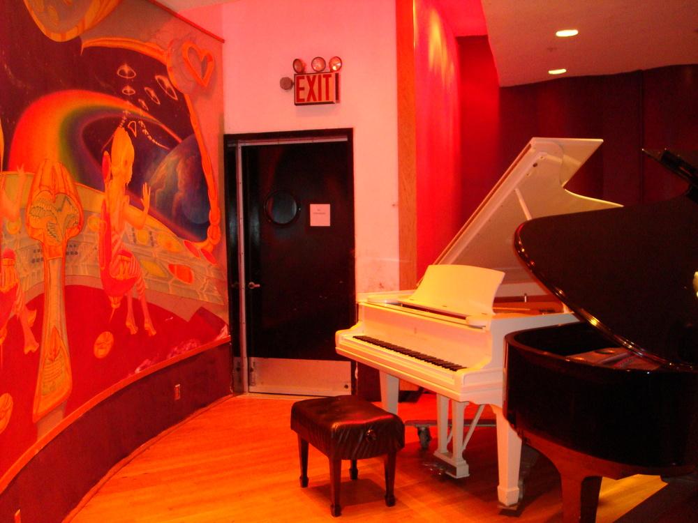 MUSIC STUDIO 11-A-04.JPG