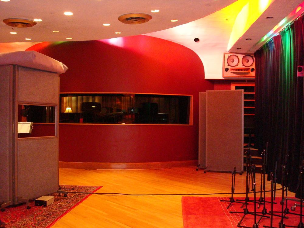 MUSIC STUDIO 11-A-05.JPG