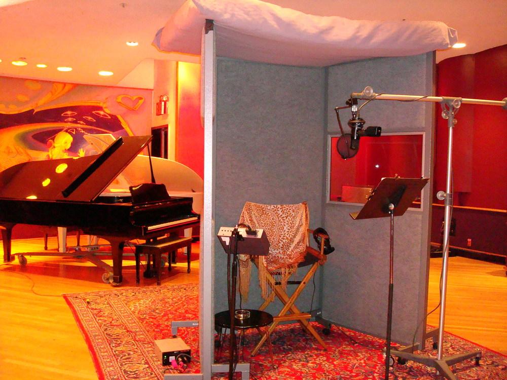 MUSIC STUDIO 11-A-07.JPG
