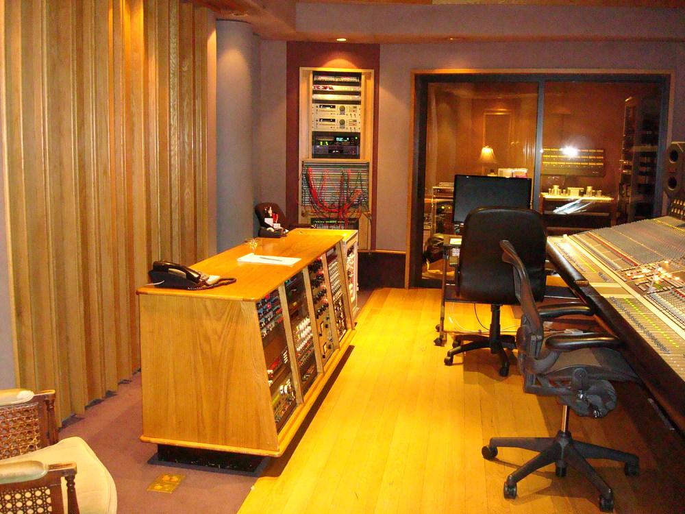 MUSIC STUDIO 11-A-08.JPG
