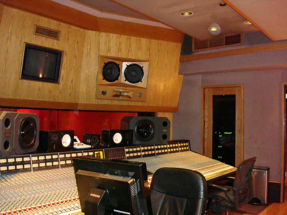 MUSIC STUDIO 11-A-10.JPG