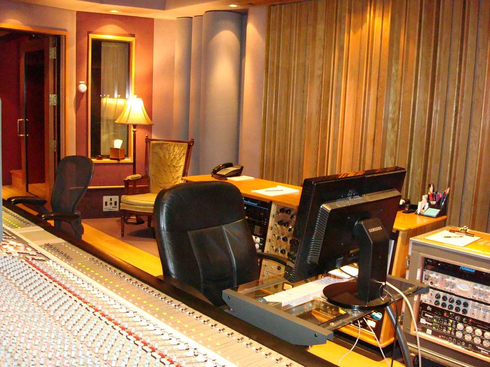 MUSIC STUDIO 11-A-12.JPG