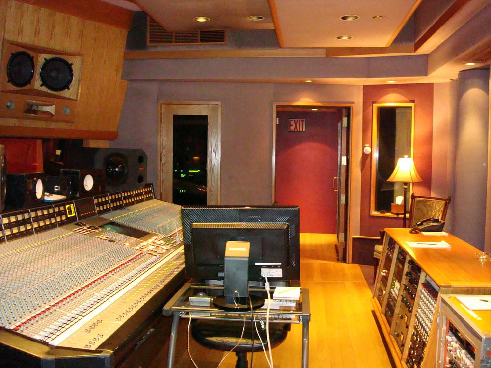 MUSIC STUDIO 11-A-13.JPG