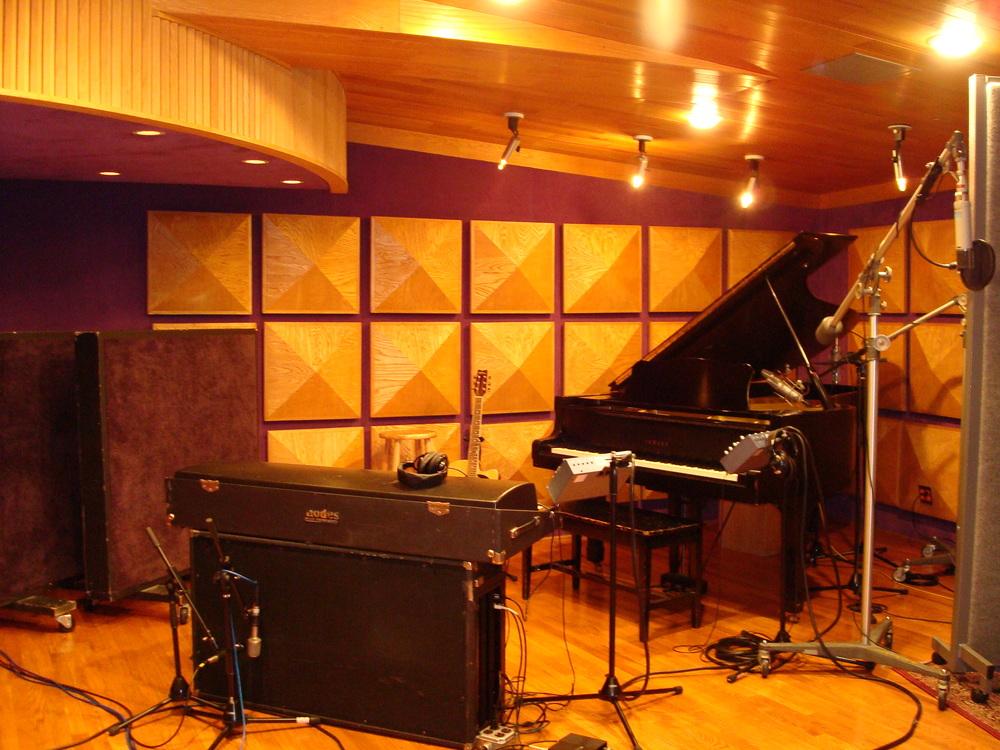 MUSIC STUDIO 11-B-01.JPG
