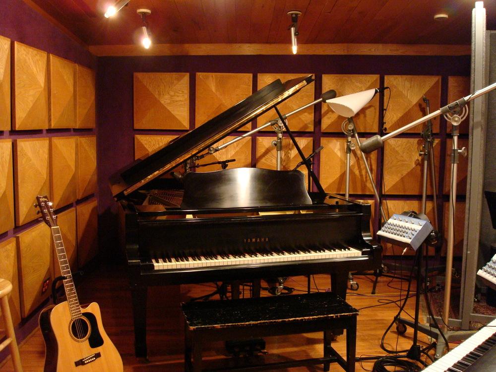 MUSIC STUDIO 11-B-02.JPG
