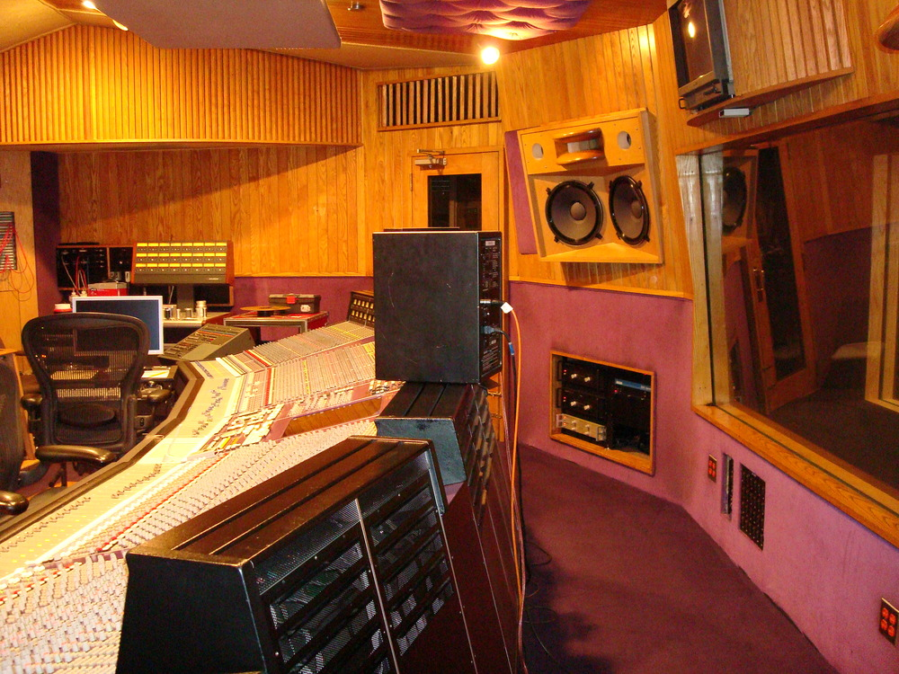 MUSIC STUDIO 11-B-06.JPG