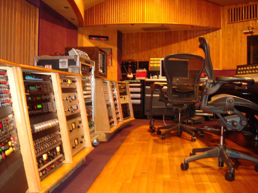 MUSIC STUDIO 11-B-07.JPG