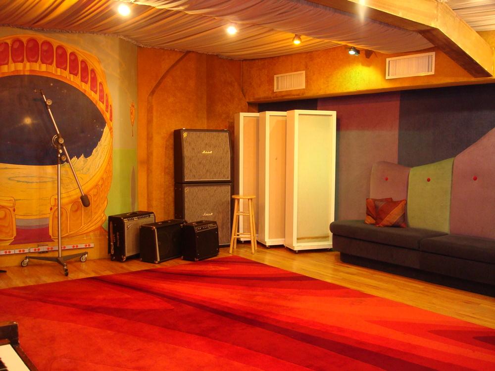 MUSIC STUDIO 11-C-02.JPG