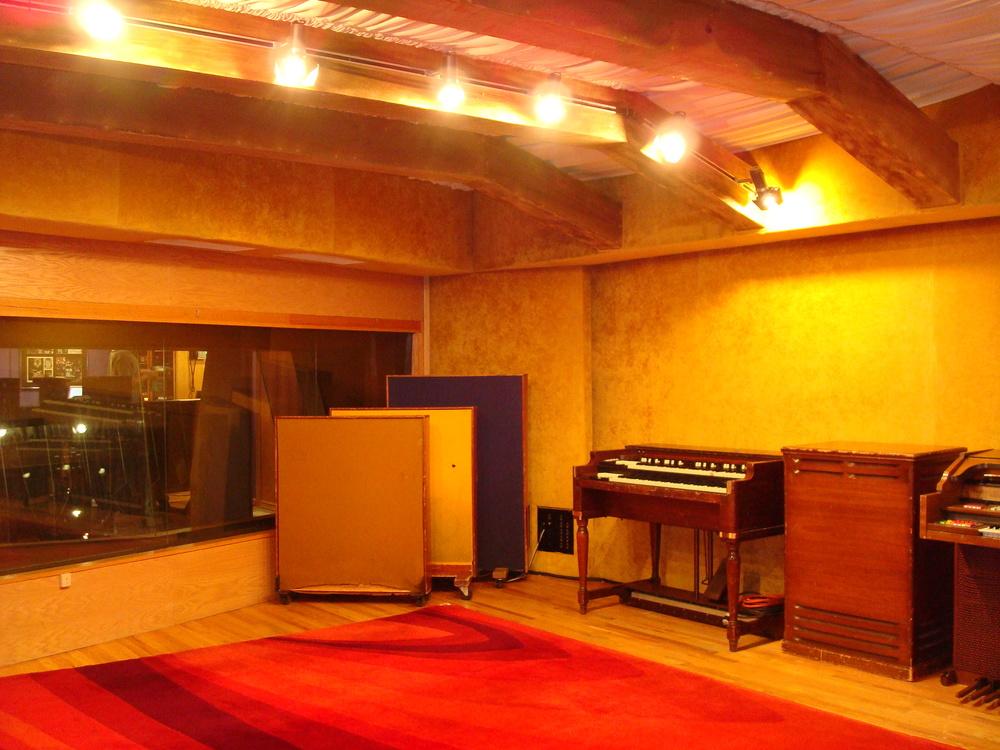 MUSIC STUDIO 11-C-04.JPG