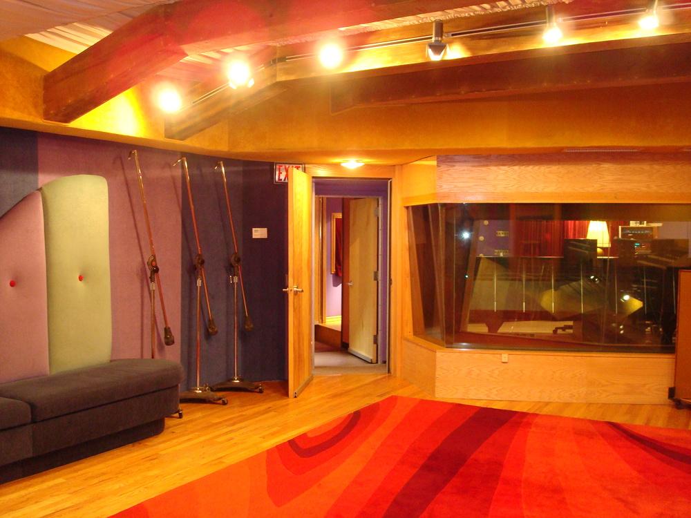 MUSIC STUDIO 11-C-03.JPG
