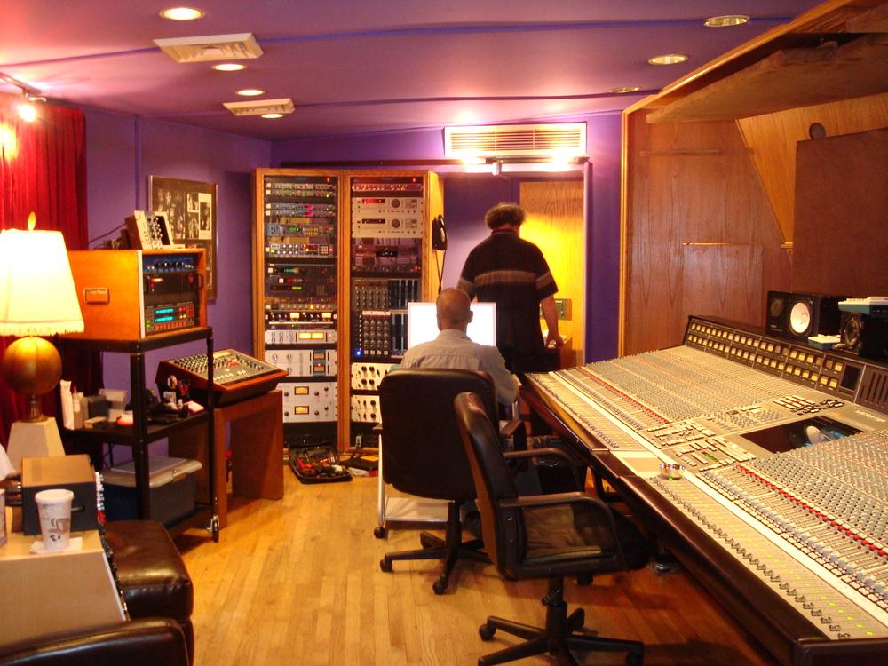MUSIC STUDIO 11-C-05.JPG