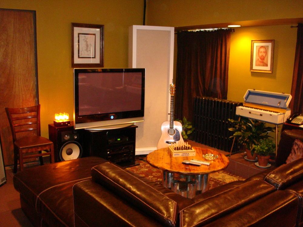 MUSIC STUDIO 11-C-07.JPG