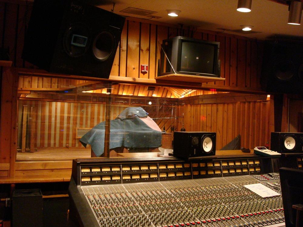 MUSIC STUDIO 5-15-STUDIO B.JPG