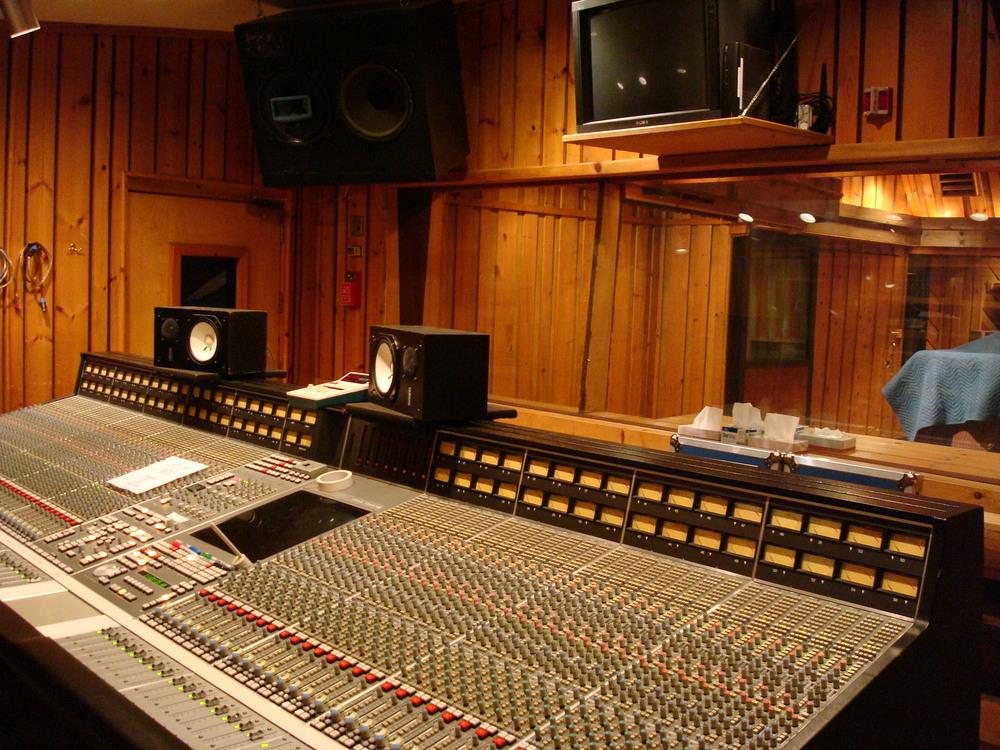 MUSIC STUDIO 5-16-STUDIO B.JPG