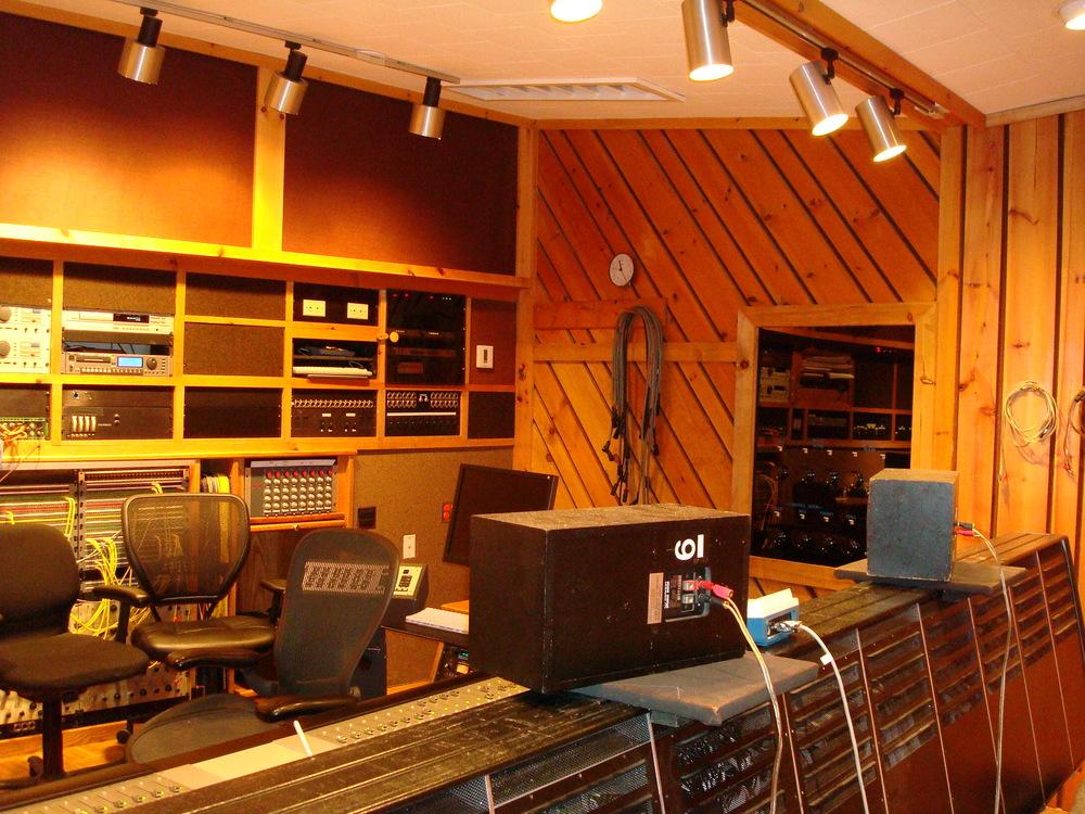 MUSIC STUDIO 5-19-STUDIO B.JPG