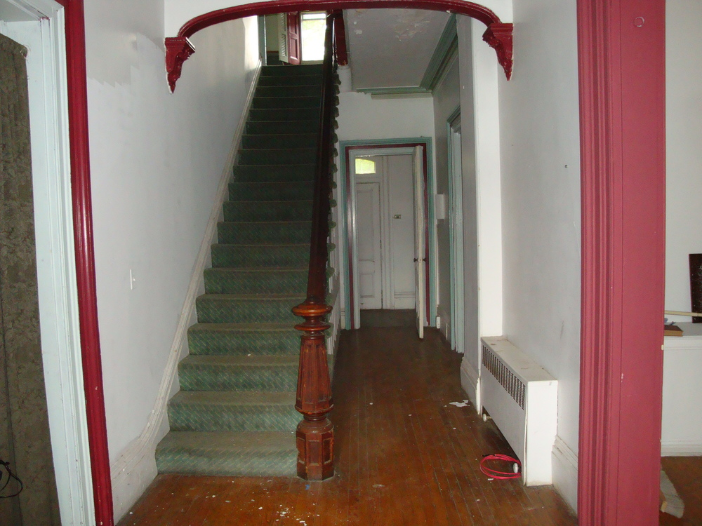 MUSEUM 4-09.JPG