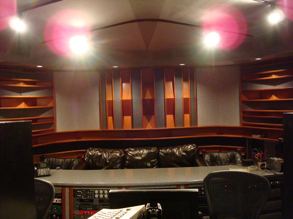 MUSIC STUDIO 6-01.JPG