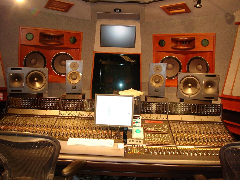 MUSIC STUDIO 6-02.JPG