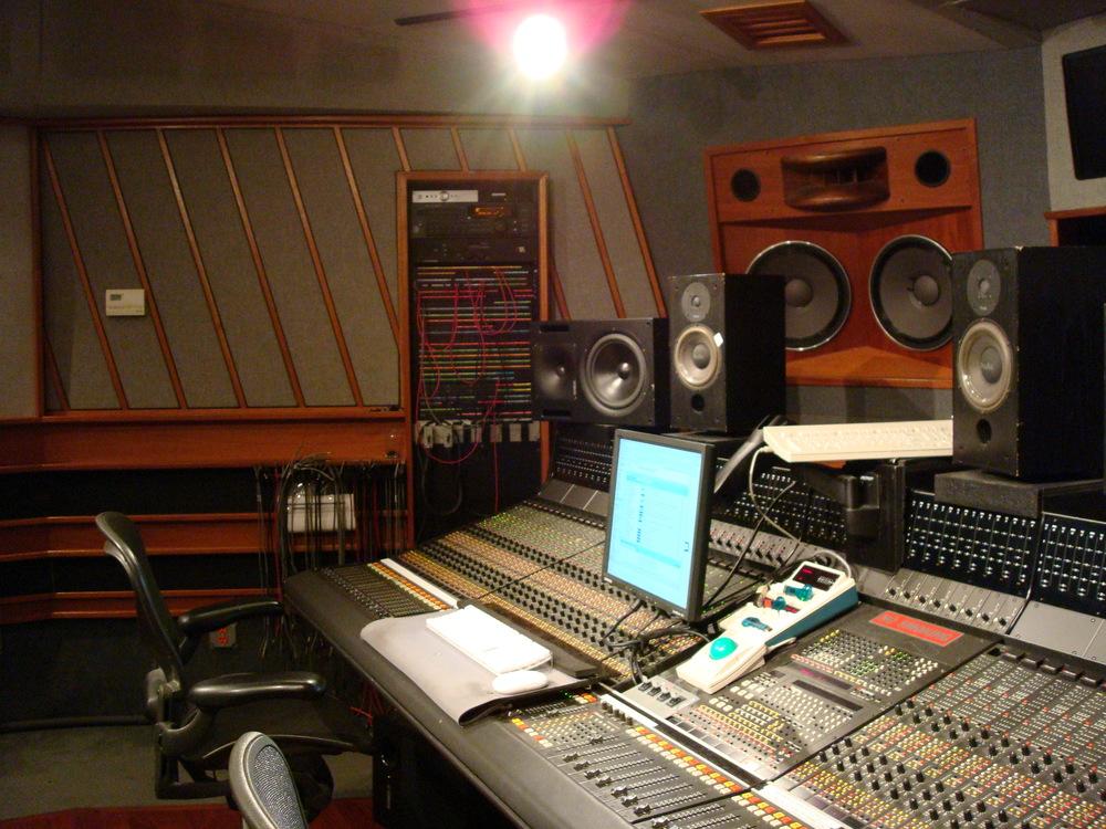 MUSIC STUDIO 6-04.JPG