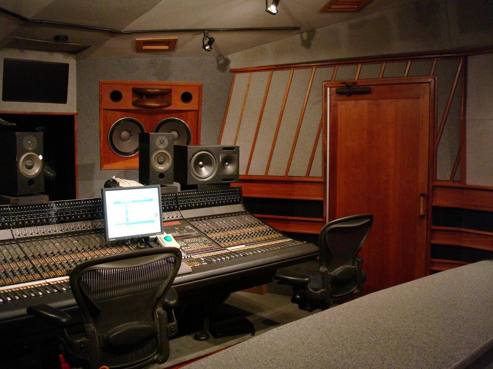 MUSIC STUDIO 6-05.JPG