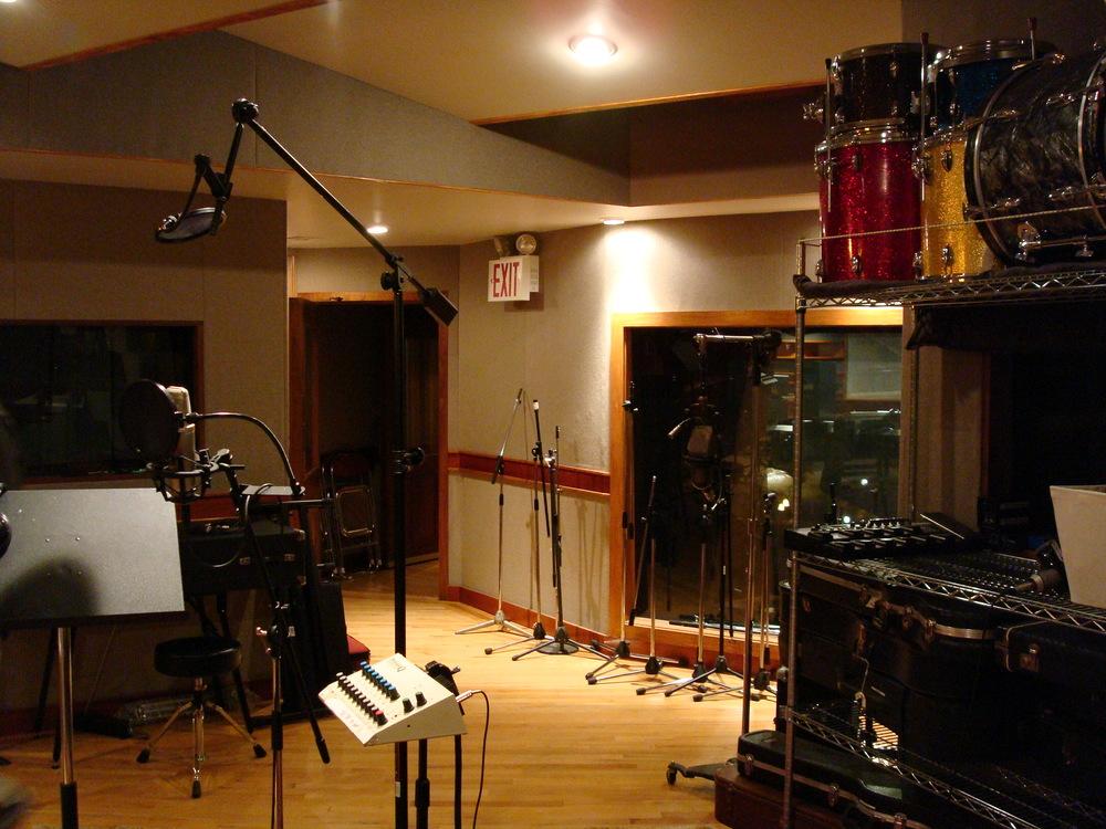 MUSIC STUDIO 6-07.JPG