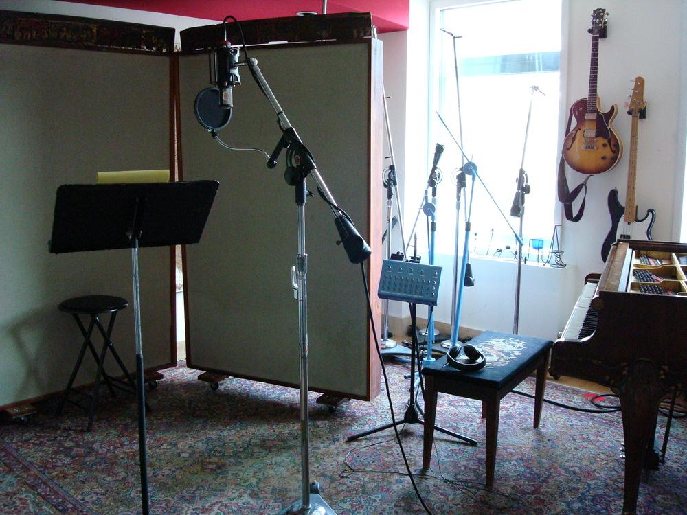 MUSIC STUDIO 3-06.JPG