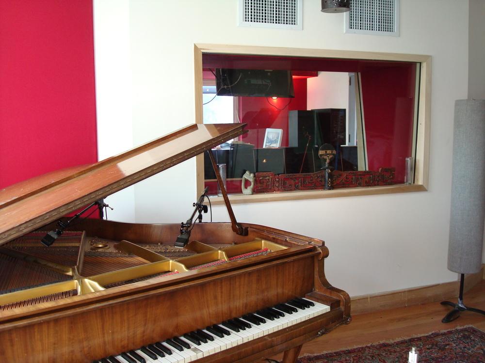 MUSIC STUDIO 3-07.JPG