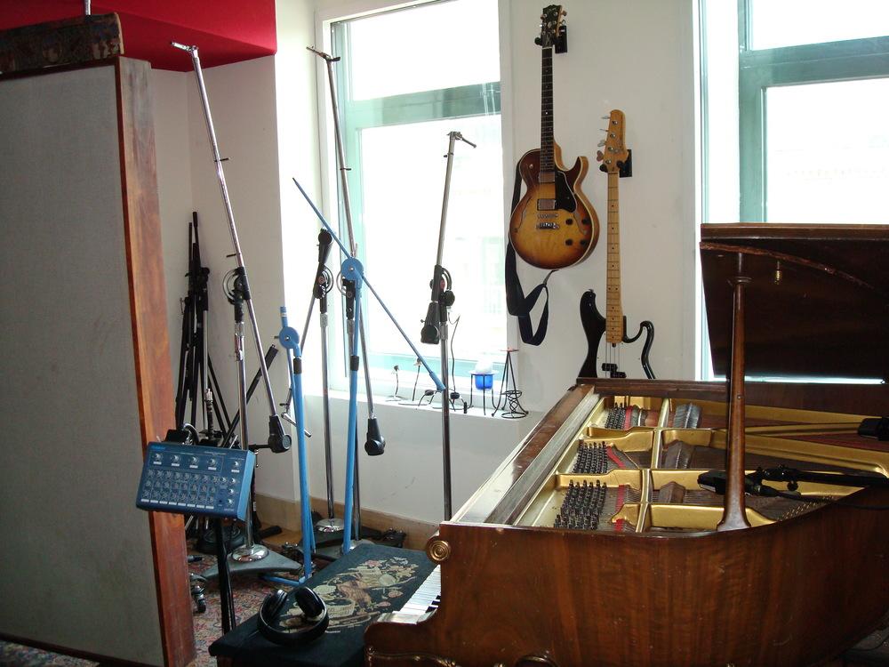 MUSIC STUDIO 3-08.JPG