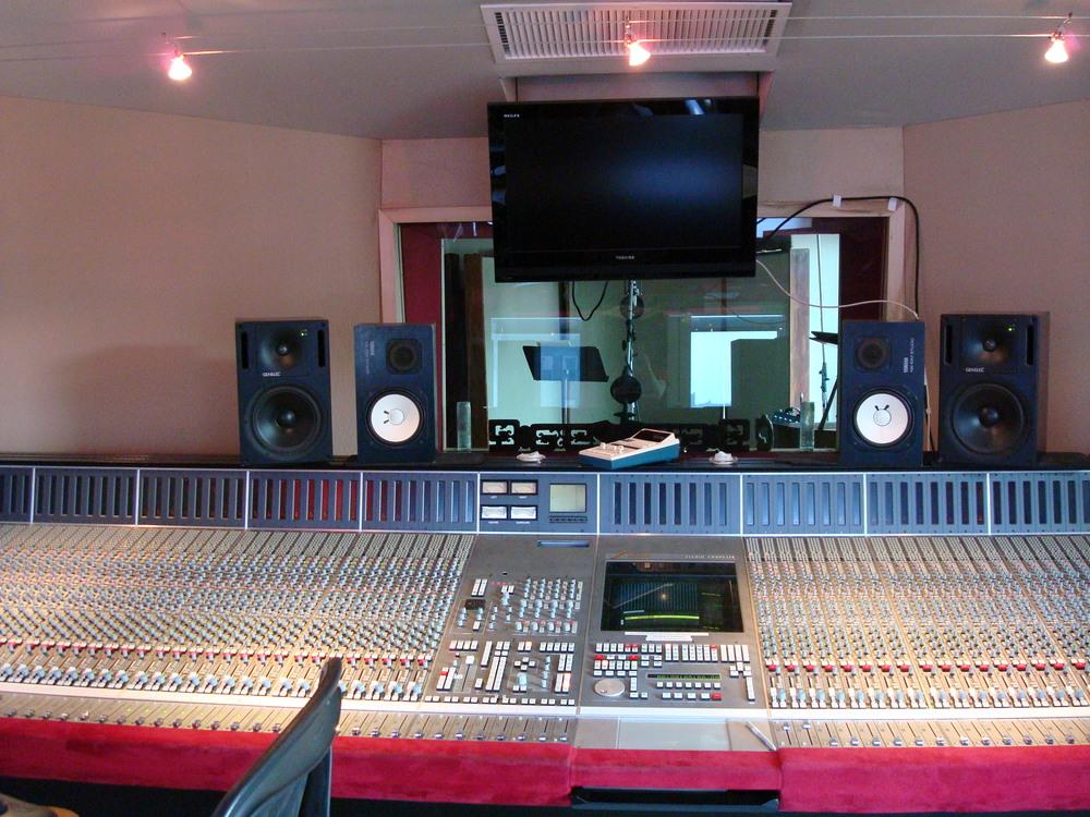 MUSIC STUDIO 3-13.JPG