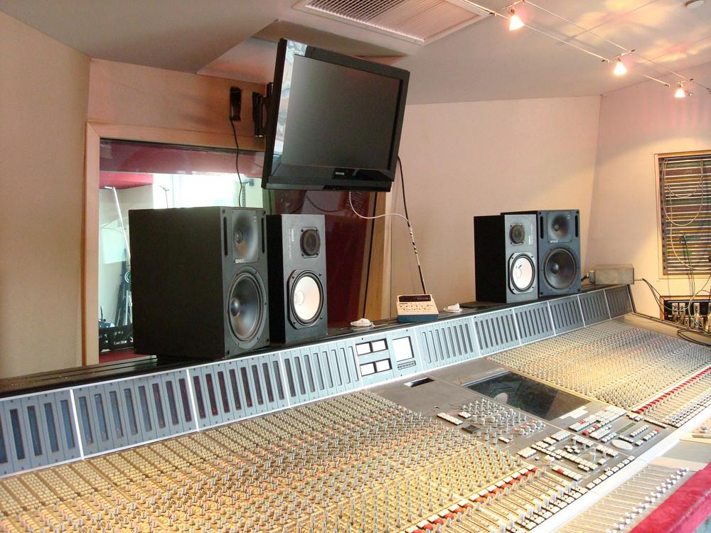 MUSIC STUDIO 3-17.JPG