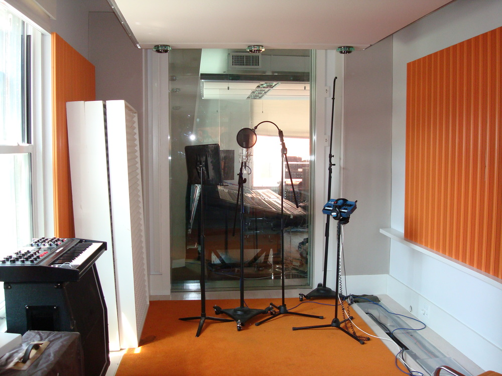MUSIC STUDIO 2-12-ORANGE.JPG